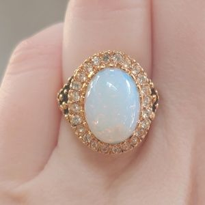 Vintage 14kt gold with Main opal stone ring Size 6